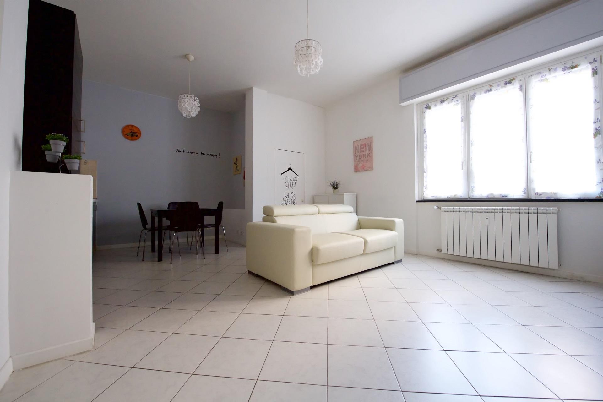 Monolocale lavanda appartamenti in affitto for Appartamenti vacanze affitto